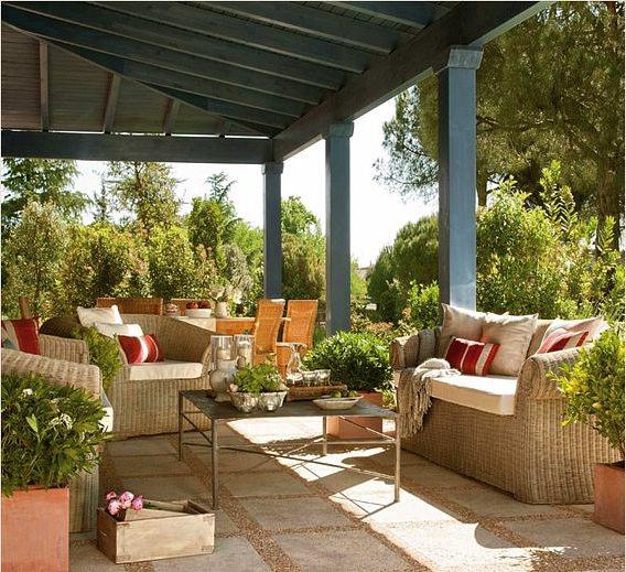 Spanish house home bunch interior design ideas - Como decorar un porche ...