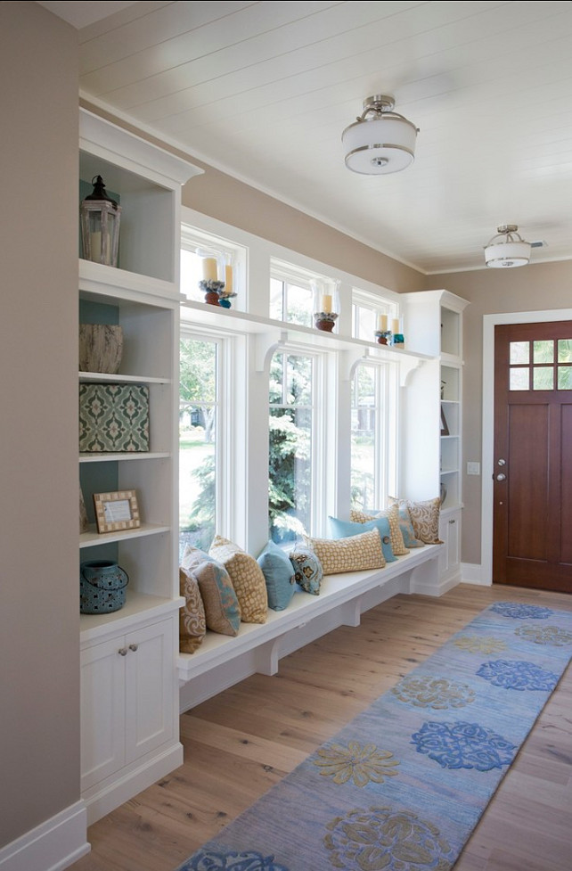 Bungalow Style Home - Home Bunch Interior Design Ideas