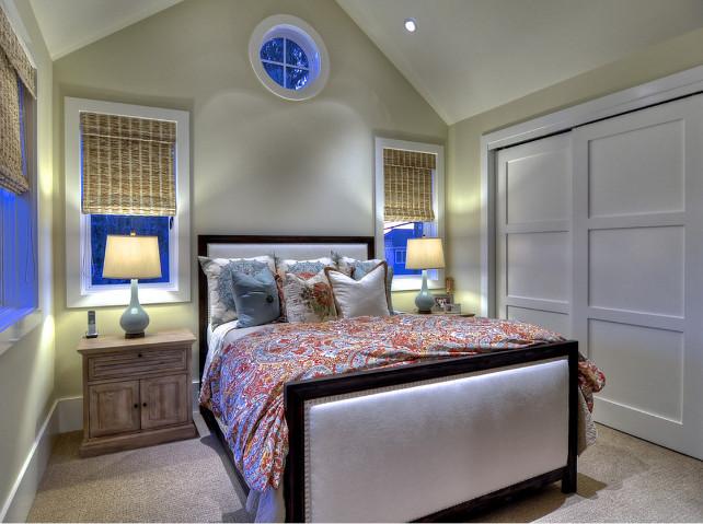 Paint Color Ideas. Neutral Bedroom Paint Color Ideas. The paint color in this bedroom is Dunn Edwards Tintable White. Color code DEW 329 (75%) #PaintColor #PaintColorIdeas #NeutralPaintcolor