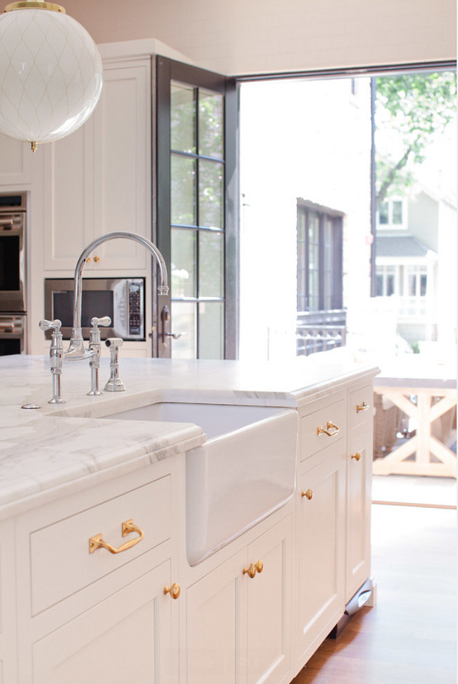 Kitchen Brass Hardware. Kitchen Brass Hardware on White Cabinets. Brass Kitchen Hardware and Brass Lighting. #Brass #BrassHardware #Hardware #Kitchen #Cabinet #WhiteCabinet #WhiteKitchen #Lighting Jean Stoffer Design.