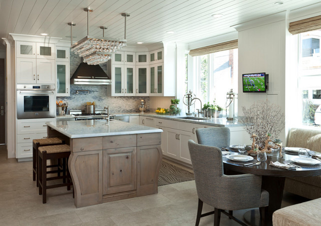 Balboa island beach house with coastal interiors home for Beach house kitchen ideas