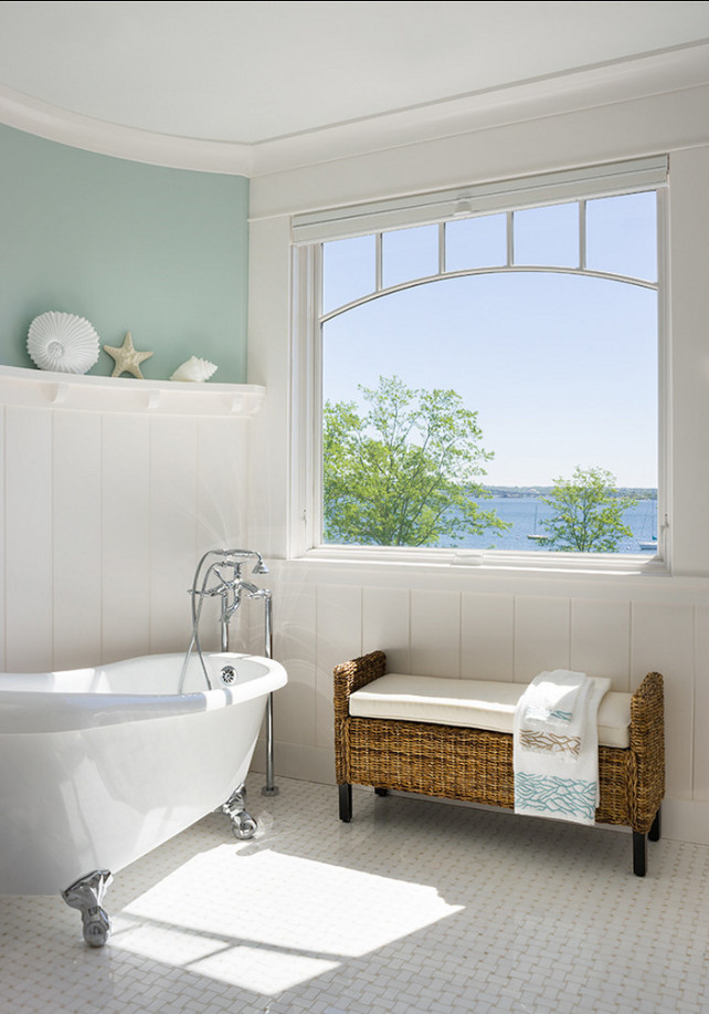 Coastal home with inspiring interiors home bunch for Great bathroom pictures