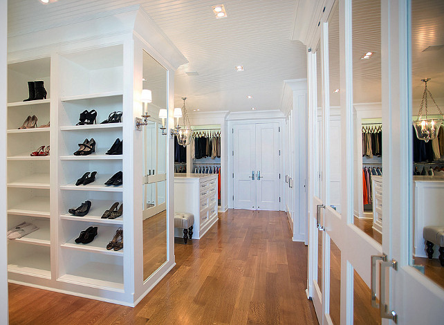 Closet Design Ideas. Walk-in Closet. Every girl deserves a closet like this one! How dreamy is that? I could organize all my shoes and clothing and still have plenty of space for more! :-) #Closet #WalkinCloset
