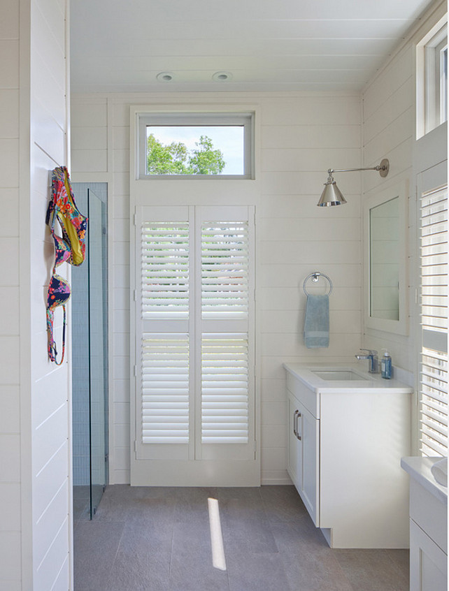 Pool House Bathroom. Pool House Bathroom Ideas. Pool House Bathroom Layout. Pool House Bathroom Design. Open Pool House Bathroom. #PoolHouse #Bathroom #PoolHouseBathroom Anthony Crisafulli Photography. Gale Goff Architect.