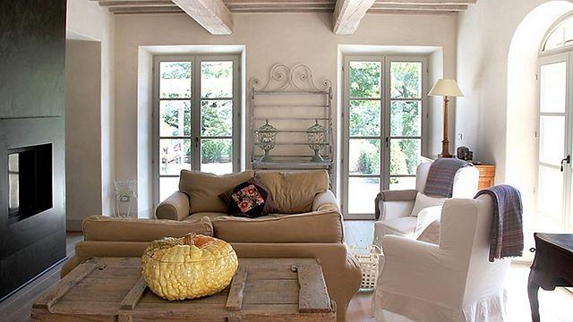 Image gallery italian villa decor for Italian villa interior