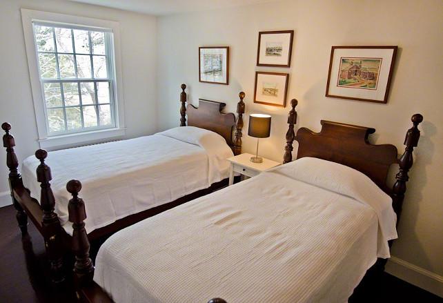 Cape cod cottage home bunch interior design ideas for Cape cod bedroom designs