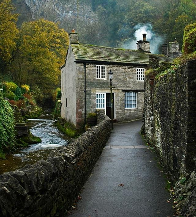 Cottage of the week country cottages home bunch for Pictures of english country cottages