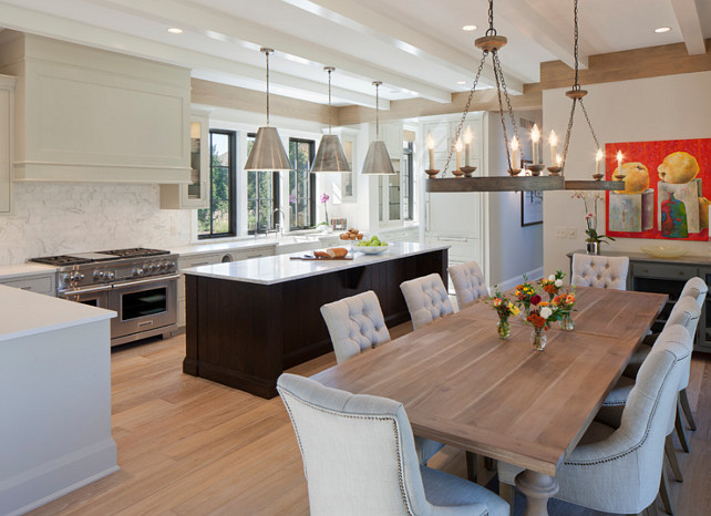 Shingle style family home home bunch interior design ideas for Small kitchen eating area ideas
