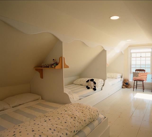 Oceanfront shingle cottage home bunch interior design ideas for Chambre 9m2 sous pente