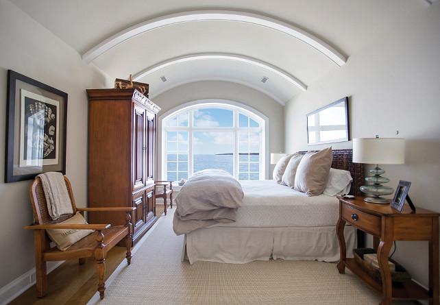 Guest Bedroom Design Ideas. Great design ideas for neutral guest bedrooms. #guestBedroom #NeutralInteriors