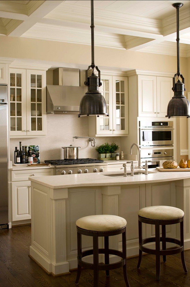 Traditional Home with Classic Interiors - Home Bunch ...