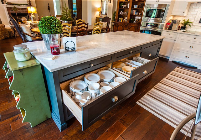 Kitchen Storage Ideas. These drawers make it easier to store plates and such. Great kitchen storage idea! #Kitchen #Storage