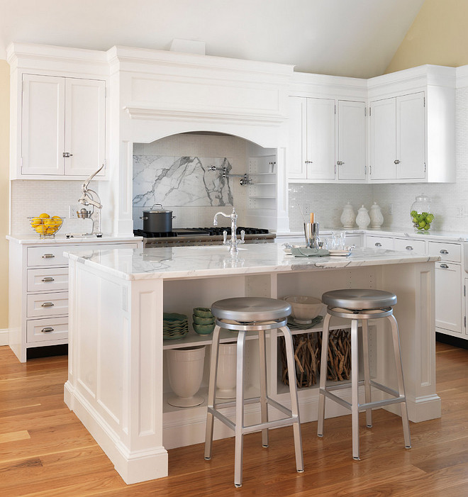 Benjamin Moore White Kitchen Paint Color. Benjamin Moore White C-2. Benjamin Moore White Cabinet paint color. Benjamin Moore White Paint Color. Benjamin Moore White. #BenjaminMooreWhite Davitt Design Build, Inc. Nat Rea Photography.