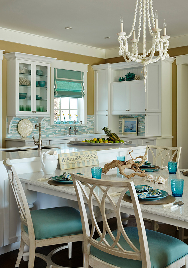 Beach house kitchen with turquoise decor home bunch for Beach house kitchen ideas