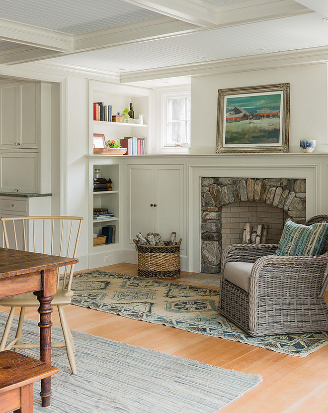 Living room cabinet paint color ideas. Living room cabinet and ceiling paint color. Cabinet paint color is Benjamin Moore Ashwood and ceiling paint color is Benjamin Moore China White. #Livingroom #Cabinet #trim #paintcolor