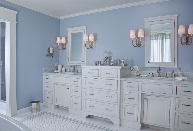 Benjamin Moore White Dove Cabinet Paint Color. Benjamin Moore White Dove Cabinet. Benjamin Moore White Dove Paint Color. Benjamin Moore White Dove. #BenjaminMooreWhiteDove #Cabinet Kim Grant Design Inc.