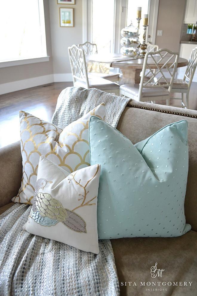 Aqua Pillow Combo. Aqua Pillow Combo Ideas. Aqua and Gold Pillow Combo. #Aqua #Pillow #ComboSita Montgomery.