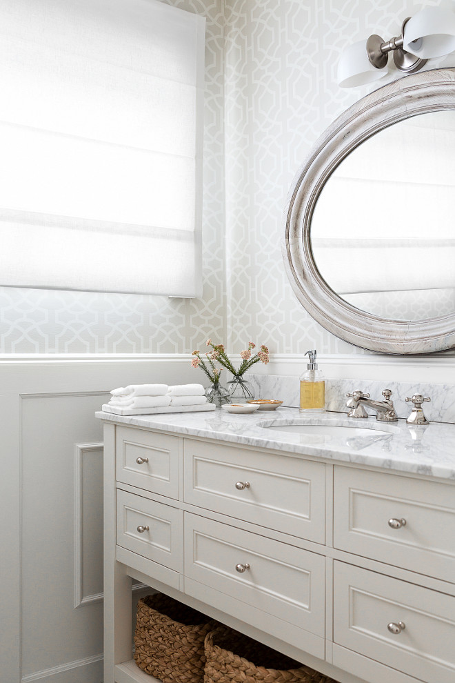 Benjamin Moore White Dove Bathroom Cabinet Paint Color. #BenjaminMooreWhiteDove #Bathroom #Cabinet #PaintColor #White #BenjaminMoorePaintColors Chango & Co.