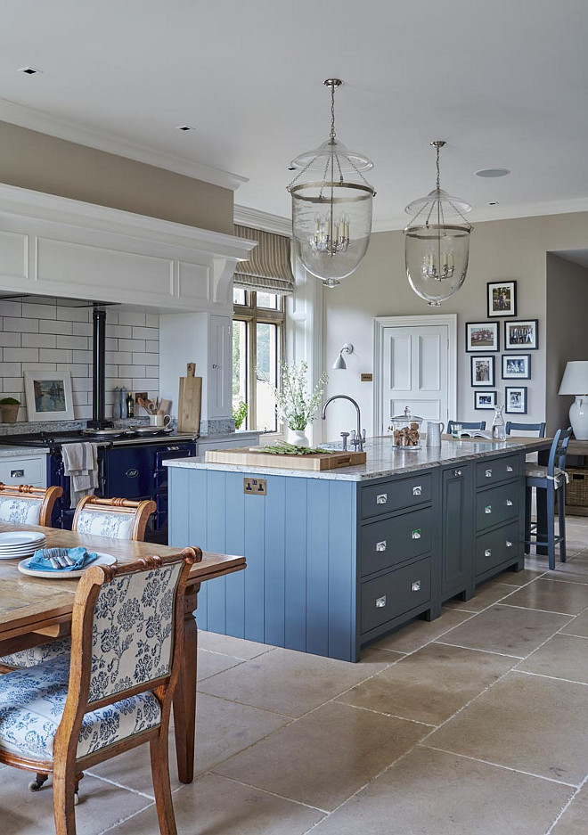 Blue and White Kitchen. Two-toned Blue and White Kitchen. Blue and White Kitchen Paint Color. Blue and White Kitchen #BlueandWhite #Kitchen Sims Hilditch.