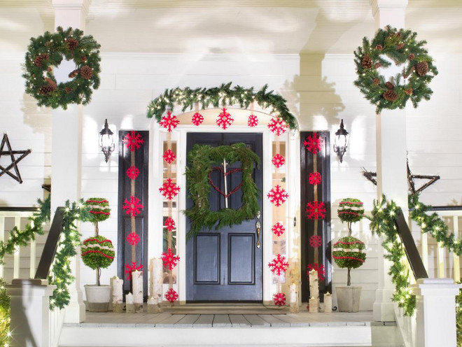 Christmas Front Door Front Porch Outdoor Decor Ideas #Christmas #Door #Porch #Outdoor #Decor #ChristmasDecor Via HGTV