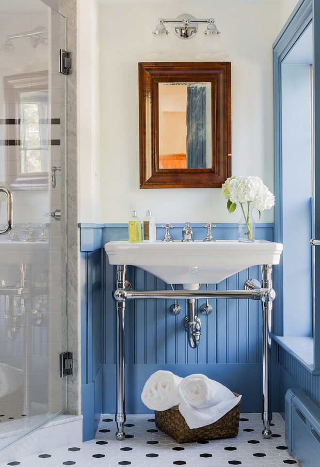 Farrow and Ball Cooks Blue. Farrow and Ball Cooks Blue. Farrow and Ball Cooks Blue. #FarrowandBallCooksBlue #BluePaintColor #FarrowandBallPaintColors Carpenter & MacNeille