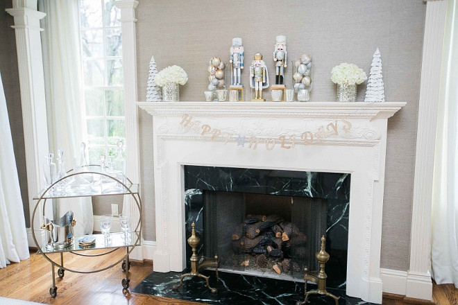 Christmas Mantel Decorating Ideas. Christmas. New Christmas Mantel Decorating Ideas. New Christmas Decor. New Christmas Decorating Ideas. #New #ChristmasDecoratingIdeas Fashionable Hostess.