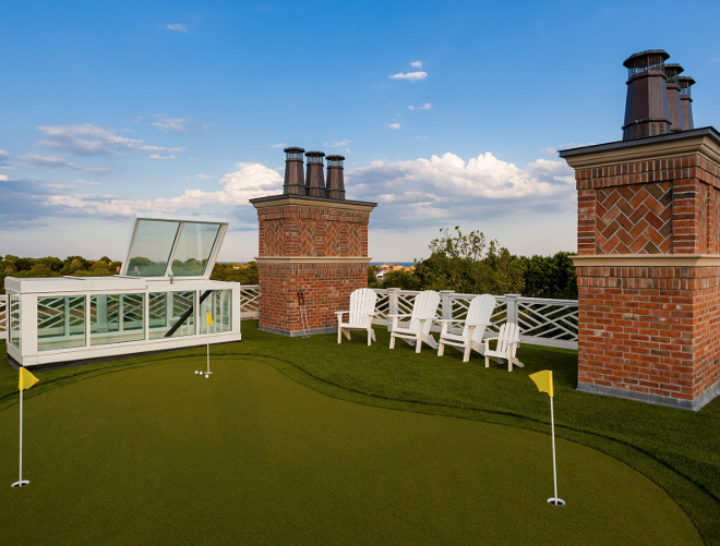 Rooftop putting green. Play golf on your rooftop with this luxurious pitting green. Hamptons house with rooftop putting green. #rooftop #puttinggreen Sotheby's Homes.