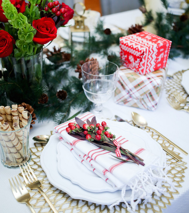 Table Setting Ideas for Christmas. Christmas Table Setting. Fashionable Hostess.
