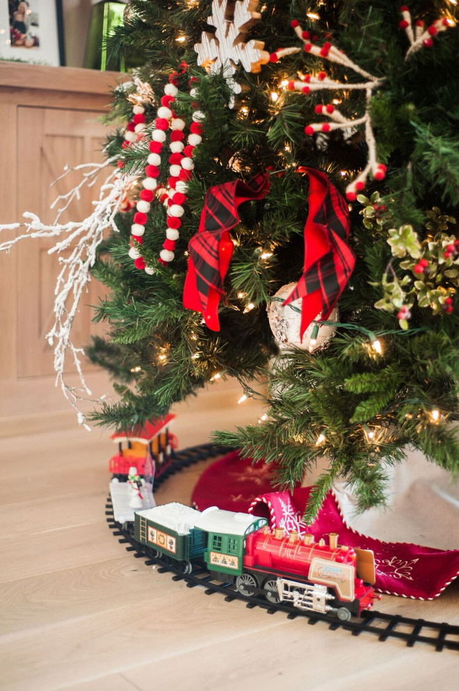 Train Christmas Tree. KIds Train Christmas Tree Ideas. Kids Christmas. Train Christmas Tree. #Train #ChristmasTree #Kids Gatehouse No.1.