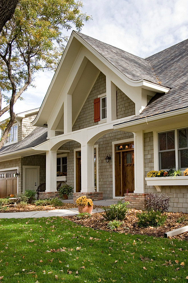 White Trim Exterior Paint Color. White Trim Exterior Paint Color is Benjamin Moore Navajo White. Off-White Trim Exterior Paint Color Benjamin Moore Navajo White. #BenjaminMooreNavajoWhite #WhiteTrimPaintColor #TrimPaintColor #ExteriorTrimPaintColor Pillar Homes.