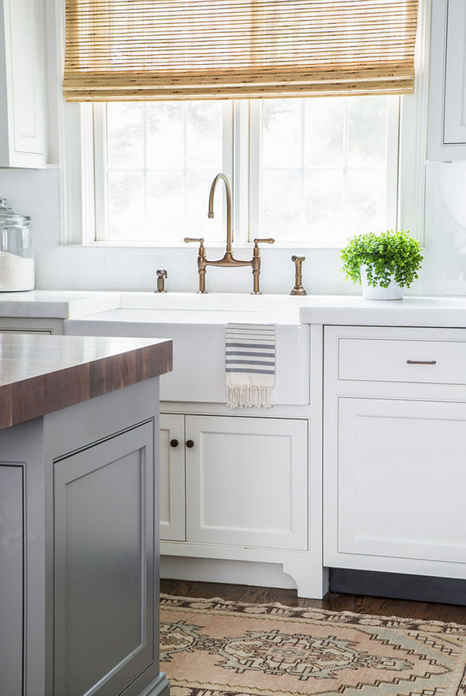 White kitchen with gray island paint color. White kitchen cabinet paint color is Benjamin Moore OC-17 White Dove. Gray island paint color is Benjamin Moore HC-168 Chelsea Gray. #WhiteKitchenCabinet #BenjaminMooreOC17WhiteDove #GrayIsland #BenjaminMooreHC168ChelseaGray