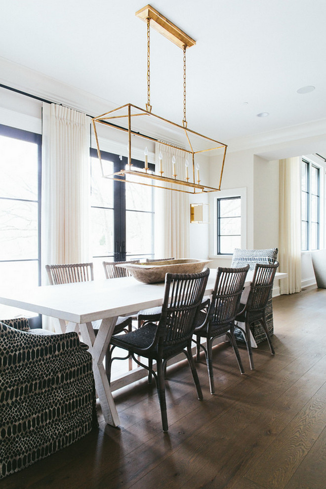 Kitchen Table Lighting. Linear chandelier above kitchen table. Darlana Linear Chandelier above kitchen table. #KitchenTable #KitchenTableLighting #DarlanaLinearChandelier #DarlanaChandelier #Darlana #DarlanaLinear Kate Marker Interiors.
