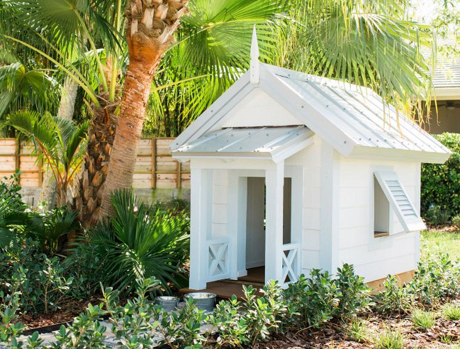 Dog House. Outdoor Dog House. HGTV Dream Home 2016 Dog House.