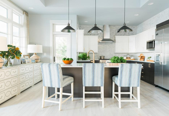The new HGTV Dream Home 2016 Kitchen mixes Coastal and Industrial Design for an elegant feel. #HGTVDreamHome2016 #Kitchen