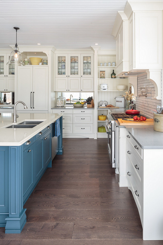Sherwin-Williams Antique White SW6119 Off white cream white kitchen cabinet paint color Sherwin-Williams Antique White SW6119 #offwhite #creamwhite #kitchencabinetpaintcolor #kitchencabinet #paintcolor #SherwinWilliamsAntiqueWhiteSW6119 #SherwinWilliamsAntiqueWhite