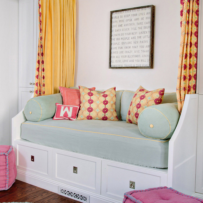 Built in daybed, White kids Built in daybed, White Built in daybed in kids room #Builtindaybed Waterleaf Interiors