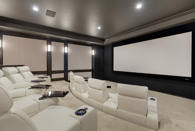 Family home interior ideas home bunch interior design ideas for Interior design ideas home theater