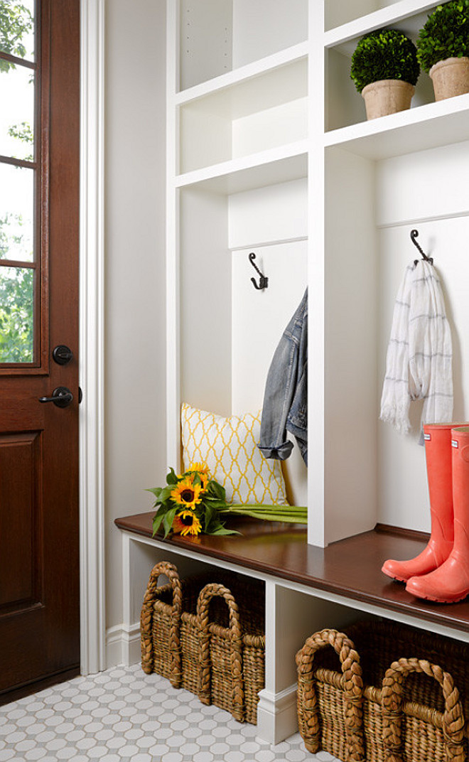 Mudroom Locker Ideas design ideas and photos. Best mudroom lockers to tidy up mudroom storage. #MudroomLockers #Mudroom