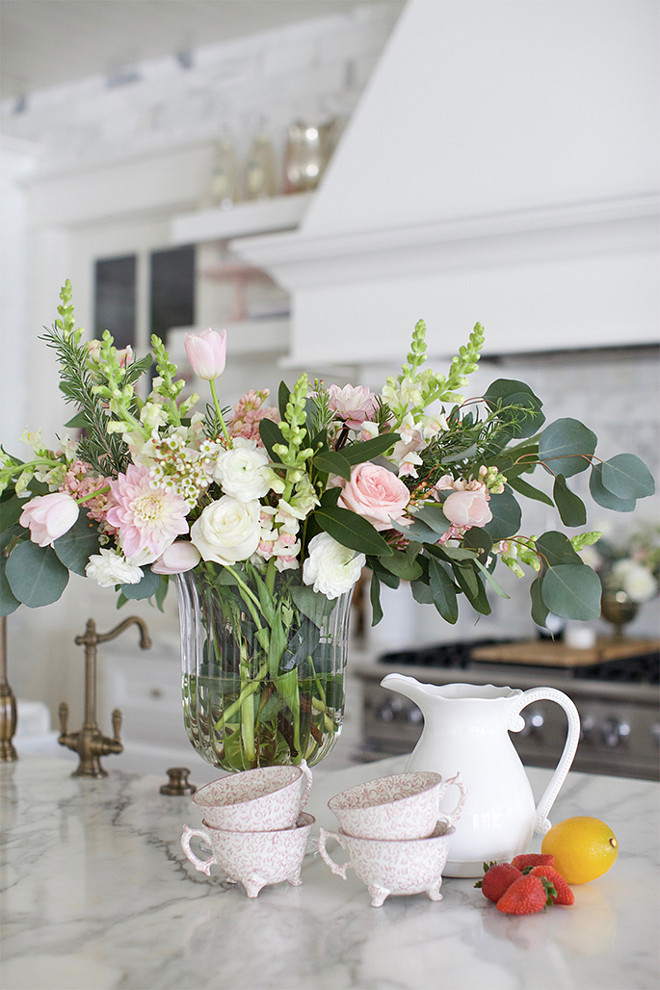 Kitchen island decorating ideas. How to make your kitchen feel decorated by an interior designer. Kitchen island decorating tips. #Kitchenislanddecor #Kitchenislanddecoratingideas #kitchenislanddecoratingtips Pink Peonies.