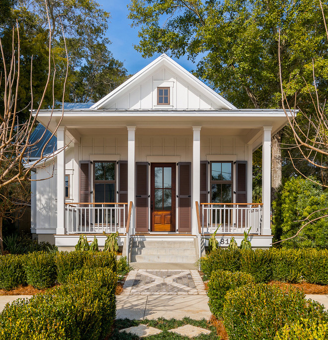 Benjamin Moore White Wisp OC-54. Benjamin Moore White Wisp OC-54 Paint Color. Benjamin Moore White Wisp OC-54 White exterior paint color. Benjamin Moore White Wisp OC-54 #BenjaminMooreWhiteWispOC54 #BenjaminMooreWhiteWisp #BenjaminMoorePaintColors Dalrymple Sallis Architecture