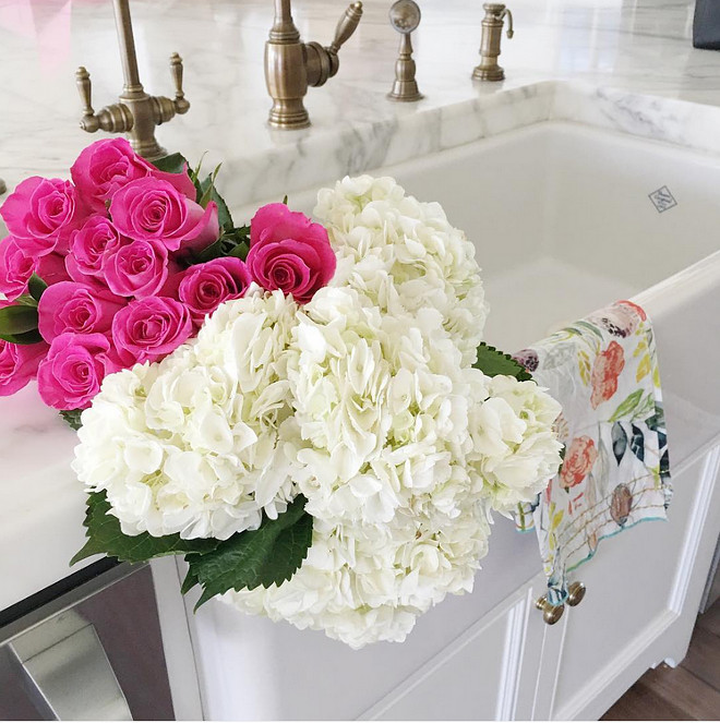 Apron Sink. Kitchne apron sink with marble couter. Kitchen apron sink #Kitchen #ApronSink #Marblecounter Pink Peonies.