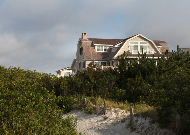 Beach House. Shingle Beach House. Beach House exterior. Shingle Gambrel Beach House #BeachHouse Megan Gorelick Interiors