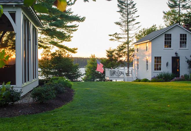 Beach house backyard landscaping #Beachhouse #backyard Banks Design Associates, LTD & Simply Home