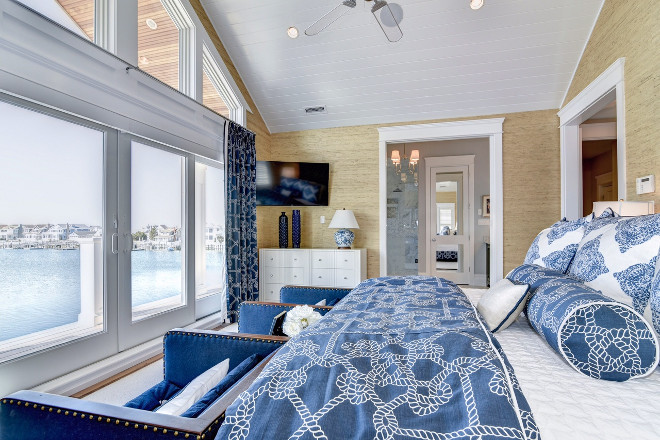 Bed placed facing windows. Bedroom with bed facing windows. #Bedfacingwindows Megan Gorelick Interiors