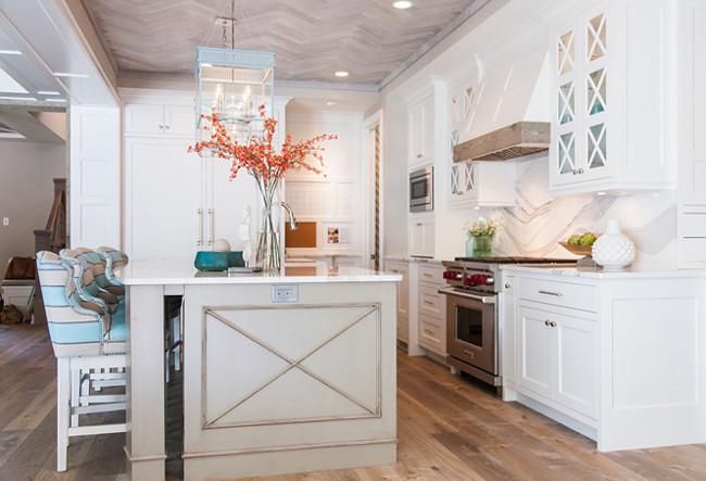Benjamin Moore OC-17 White Dove. Benjamin Moore OC-17 White Dove Kitchen Cabinet Paint Color. Benjamin Moore OC-17 White Dove. #BenjaminMooreOC17WhiteDove