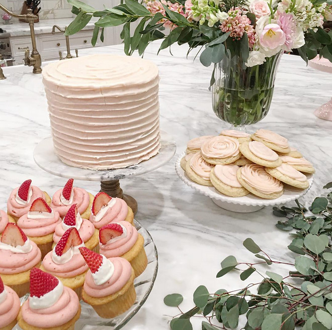 Easter Dessert Ideas. Cute Easter Dessert Ideas. Easter Desserts. #EasterDessert #EasterDessertIdeas The Sweet Tooth Fairy for Pink Peonies.