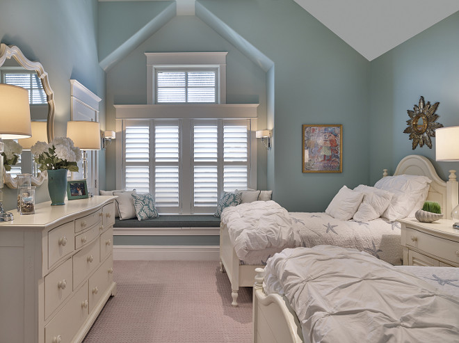 Kids Bedroom with window seat. Kids Bedroom with window seat ideas. #KidsBedroom #windowseat Megan Gorelick Interiors
