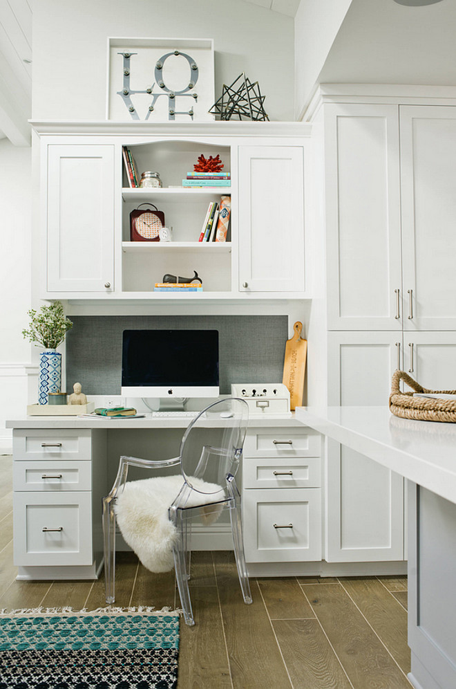 Kitchen desk area. Kitchen desk area plans. Kitchen desk area photos and ideas. #Kitchendeskarea #Kitchendeskareaphotos #Kitchendeskareaplans #Kitchendeskareaideas Kate Lester Interiors
