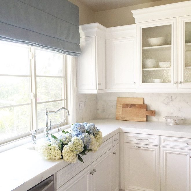 Kitchen sink. White kitchen sink ideas. Kitchen sink. Kitchen sink #Kitchensink #Kitchen #Sink Becki Owens