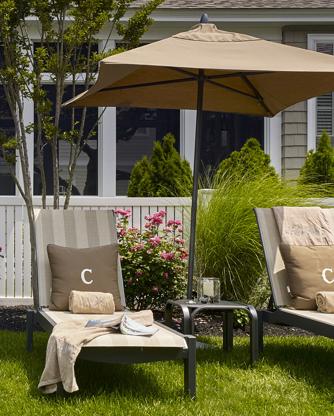 Lounging chair ideas. Hor to decorate lounging chairs. #Loundingchairs #backyard Megan Gorelick Interiors
